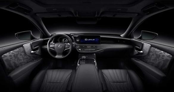 Lexus LS, салон