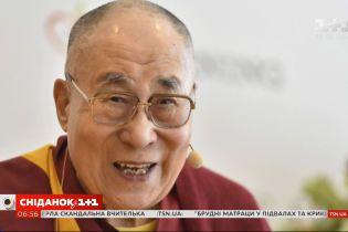 Музыкальный альбом в честь 85-летия: зачем Далай Лама стал певцом