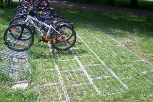 До 1 вересня біля столичних шкіл з'являться велопарковки