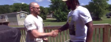 В США жизнь копу спас темнокожий мужчина, который раньше отсидел из-за клеветы полицейских