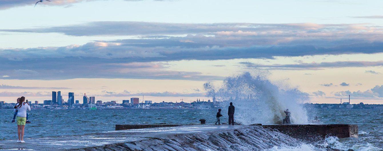В Естонії через потужний шторм знеструмлено понад 33 тисячі будинків