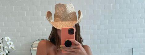 Селфі у ванній: Кендалл Дженнер похизувалася ідеальною фігурою в бікіні