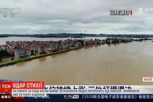 Велика вода у Китаї: загинуло 140 людей, зруйновано 28 тисяч будинків