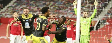 """""""Манчестер Юнайтед"""" на последних секундах потерял очки и не сумел подняться на третье место в АПЛ"""