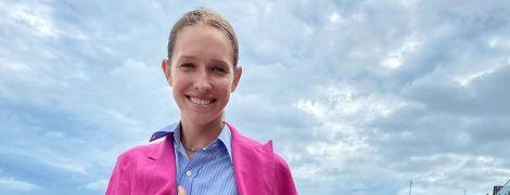 В яскравому рожевому луці: Катя Осадча показала, як Одесою гуляла