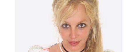 Облізлий лак і задирки: Брітні Спірс шокувала манікюром