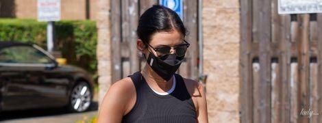 Опять в лосинах: Люси Хейл сходила за покупками в любимой одежде