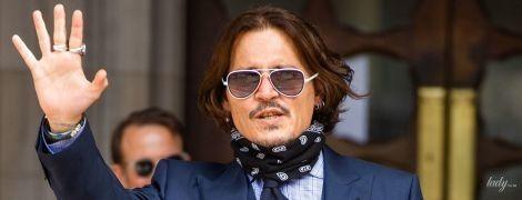 В костюме-тройке и с банданой: стильный Джонни Депп в объективах лондонских папарацци