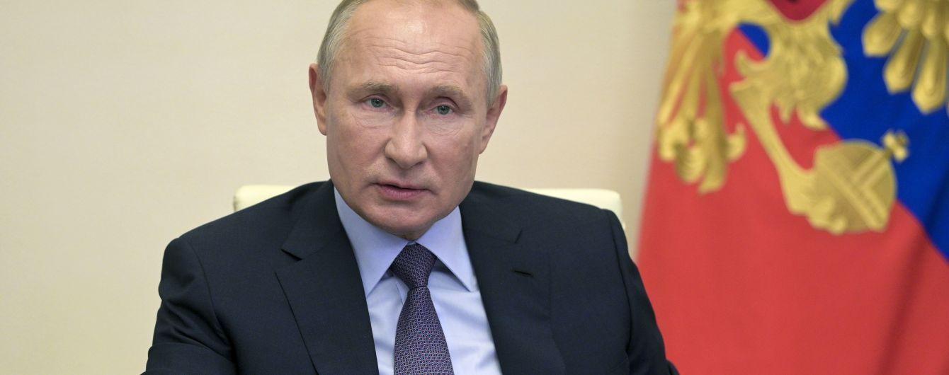 Путин едет в аннексированный Крым, чтобы дать старт строительству боевых кораблей для ВМФ РФ