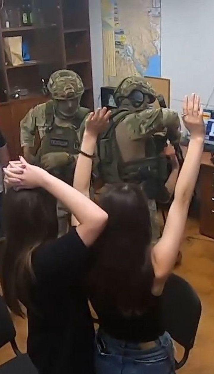 Дві групи кіберзлочинців викрили в Одесі