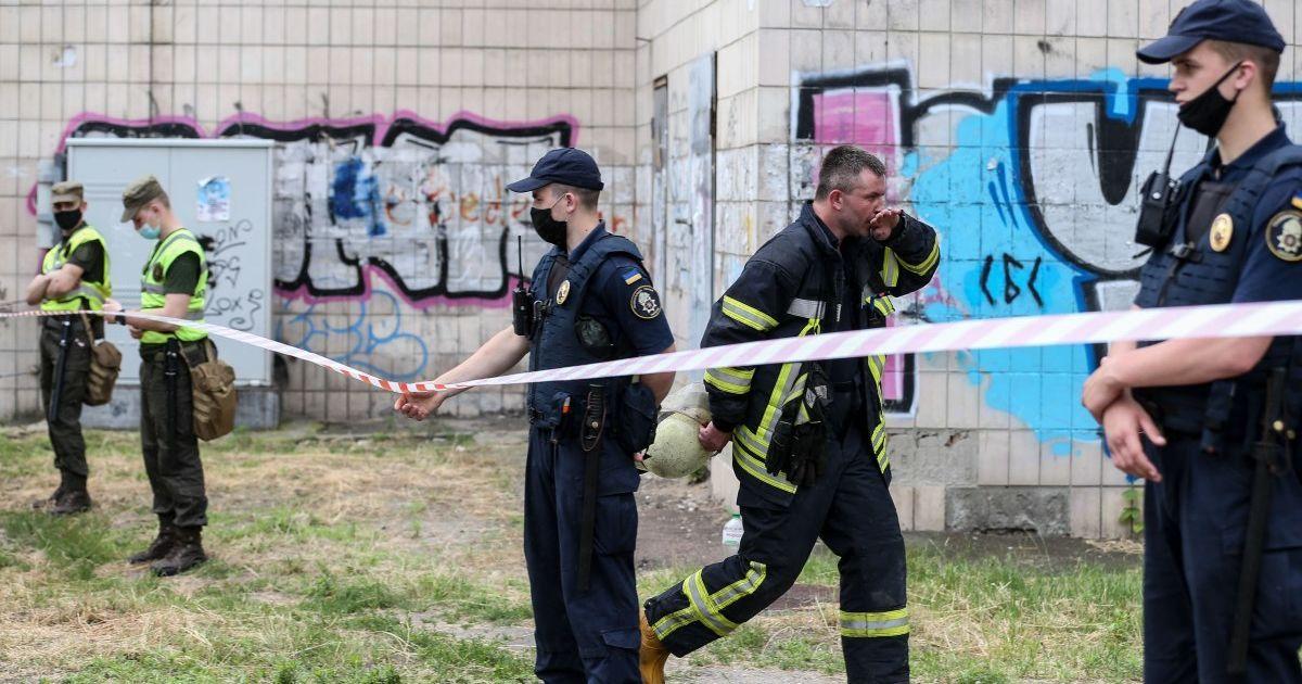 В Киеве мужчина напустил газ в квартиру: жильцов дома эвакуировали