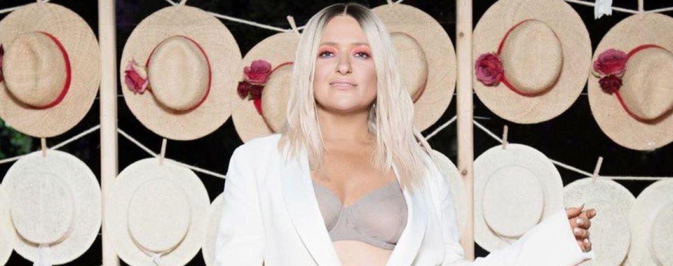 Эффектная блондинка: Наталья Могилевская блеснула бельем на светской тусовке