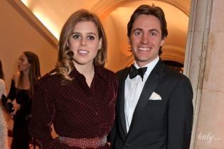В винтажном платье и особенной тиаре: королевский дворец поделился снимками со свадьбы принцессы Беатрис