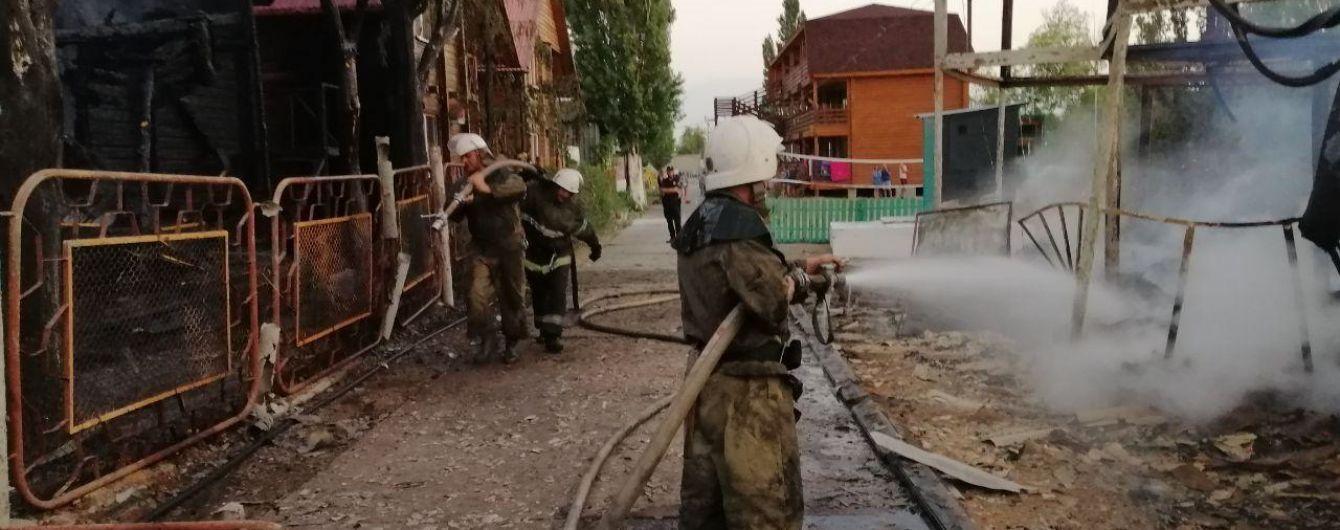 В Затоке ночью горели две базы отдыха: пострадал один отдыхающий