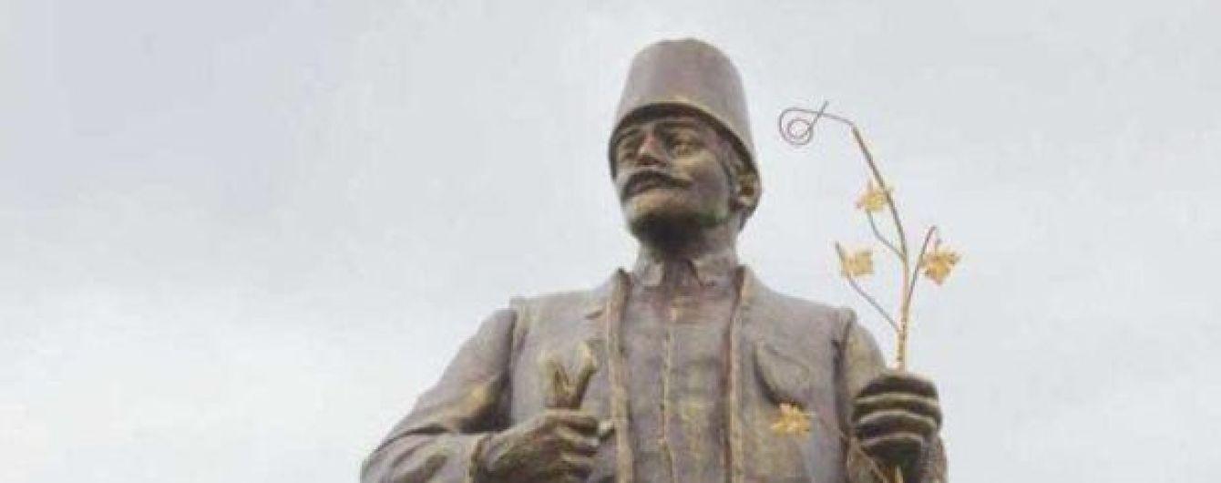 В Одесской области из памятника Ленина сделали болгарского переселенца