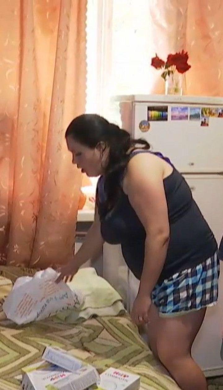 Пропивает деньги и бьет мать 5-ти детей: в Житомире соседи жалуются на мужчину