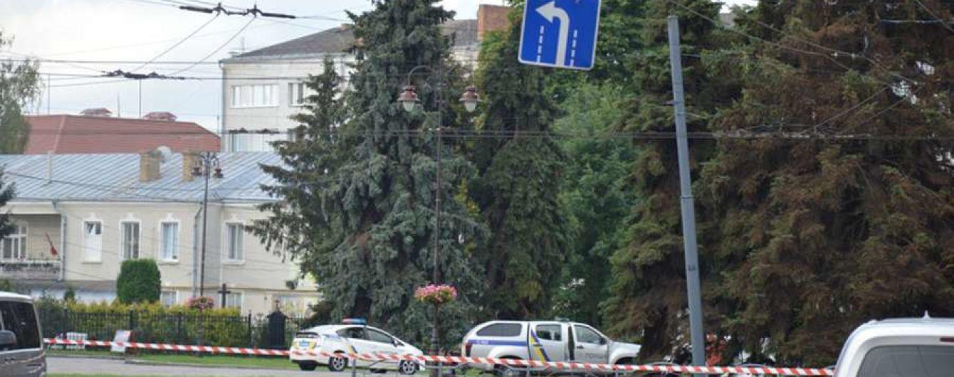 Захват заложников в Луцке: силовики эвакуировали жителей соседних домов из-за угрозы стрельбы по окнам
