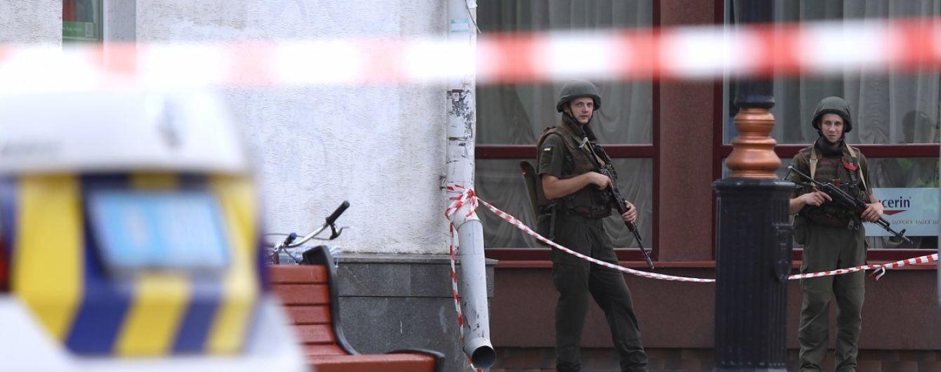 Захват заложников в Луцке: из автобуса освободили первых трех людей