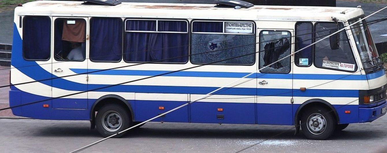 Захват автобуса: чего требует террорист в Луцке и сколько людей в заложниках