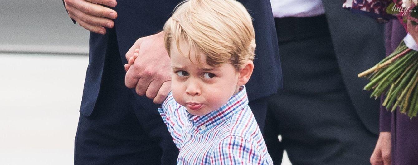 Какой уже взрослый: Кейт и Уильям опубликовали еще одно фото их сына - именинника принца Джорджа
