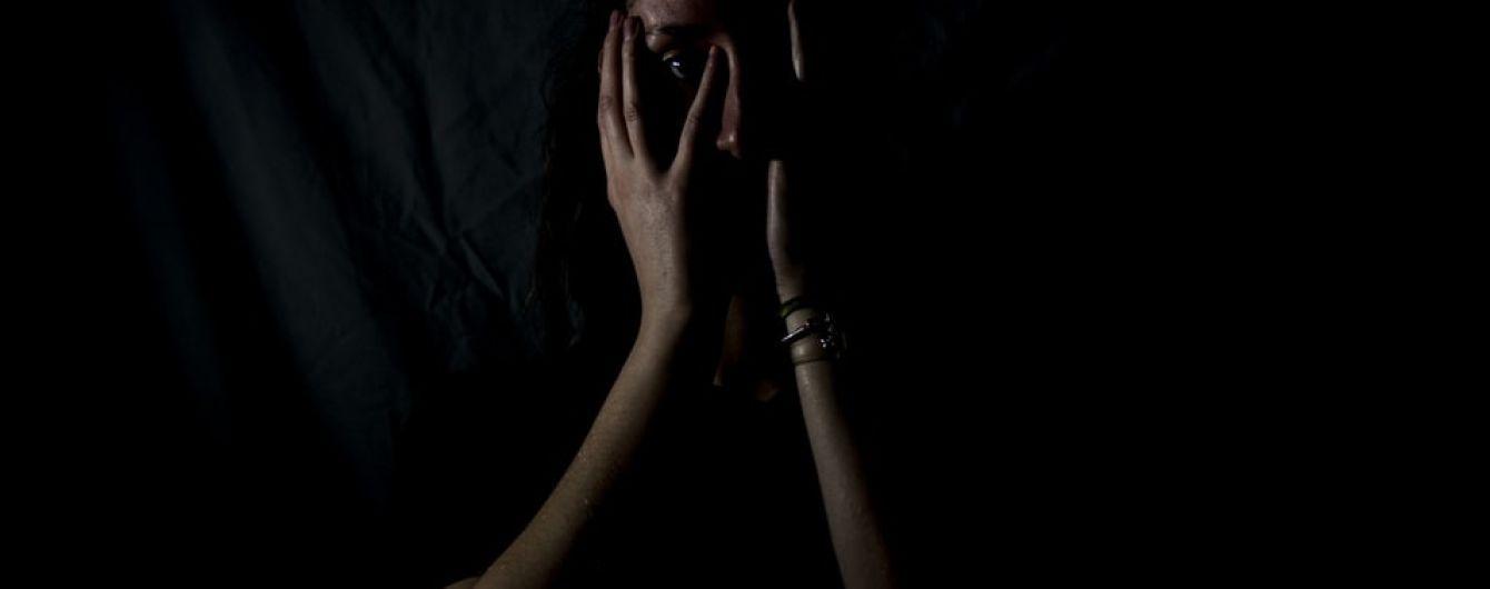 """Відлупцювала доньку і правоохоронців: у Запоріжжі патрульні стали жертвами """"домашнього насильства"""""""