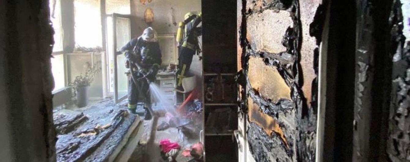 В Киеве 10-летняя девочка получила ожоги, пытаясь самостоятельно потушить пожар в квартире