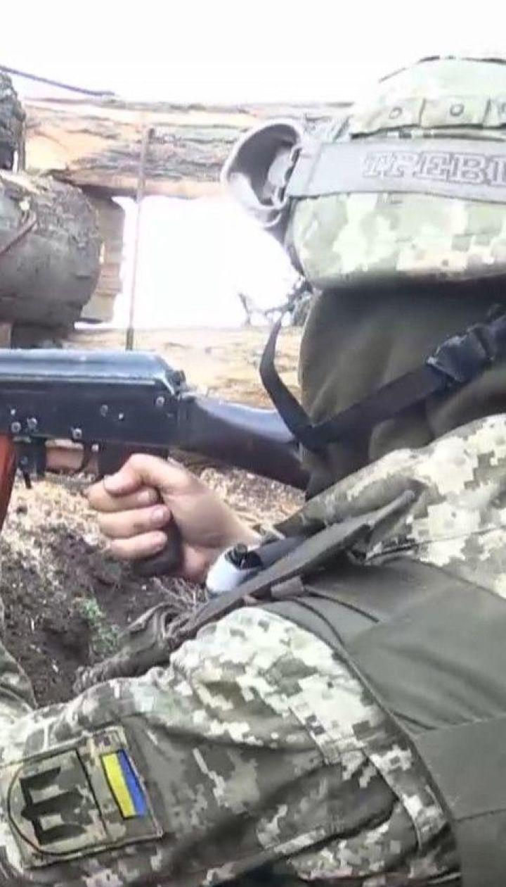 Безпілотник бойовиків скинув гранату на українські позиції: поранені двоє військових