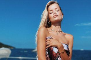 Опять топлес: Фрида Аасен очаровала естественной красотой на откровенном фото
