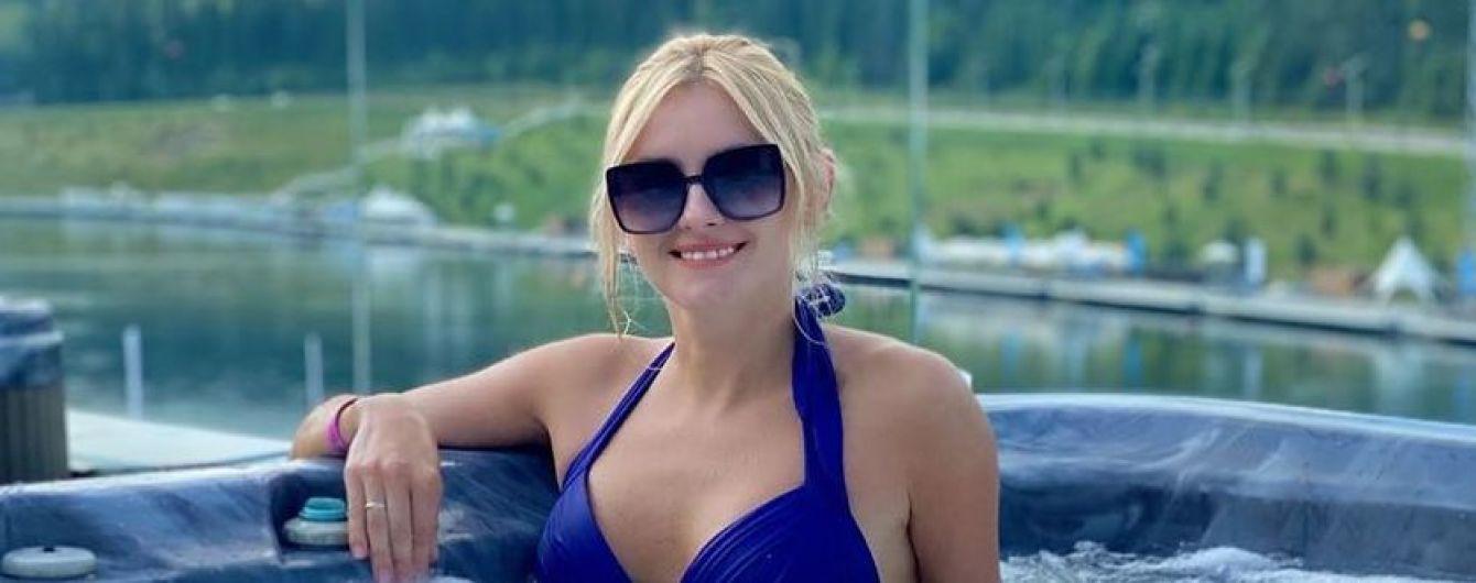 Битва купальников Ирины Федишин: черный vs синий