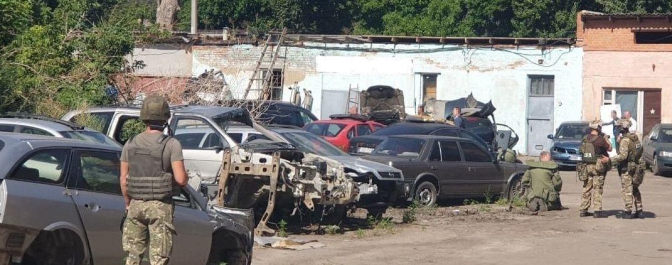 В Одессе задержали преступников, которые посреди дня обстреляли автомобиль активиста