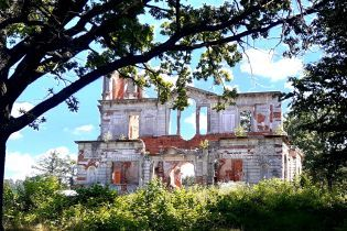 Житомирщина туристична: подорожуємо руїнами імперії цукрозаводчиків Терещенків