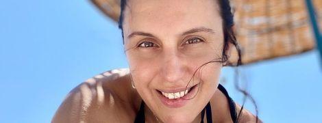 На пляже в зеленом купальнике: Джамала поделилась новым кадром с отдыха