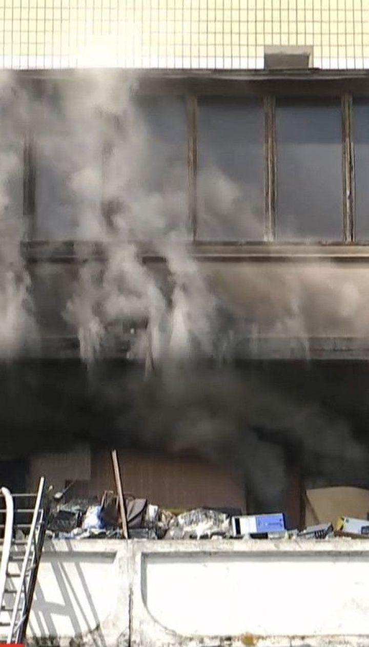 В столичной многоэтажке во время пожара заживо сгорела 89-летняя женщина