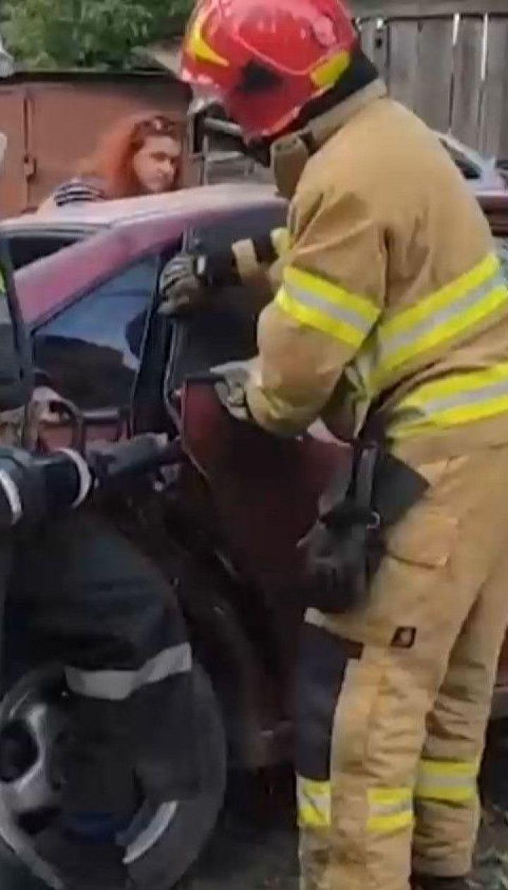 """Масштабное ДТП: в Каменце-Подольском """"скорая"""" столкнулась с легковым авто"""