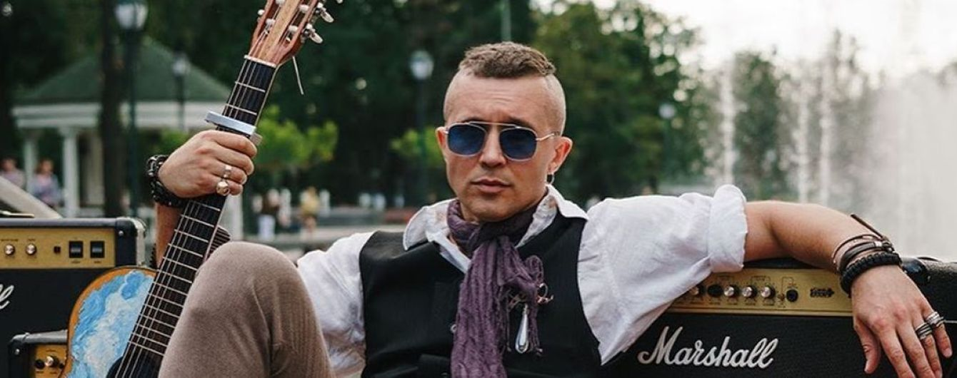 Полуобнаженный Сергей Бабкин похвастался мышцами на раритетном снимке