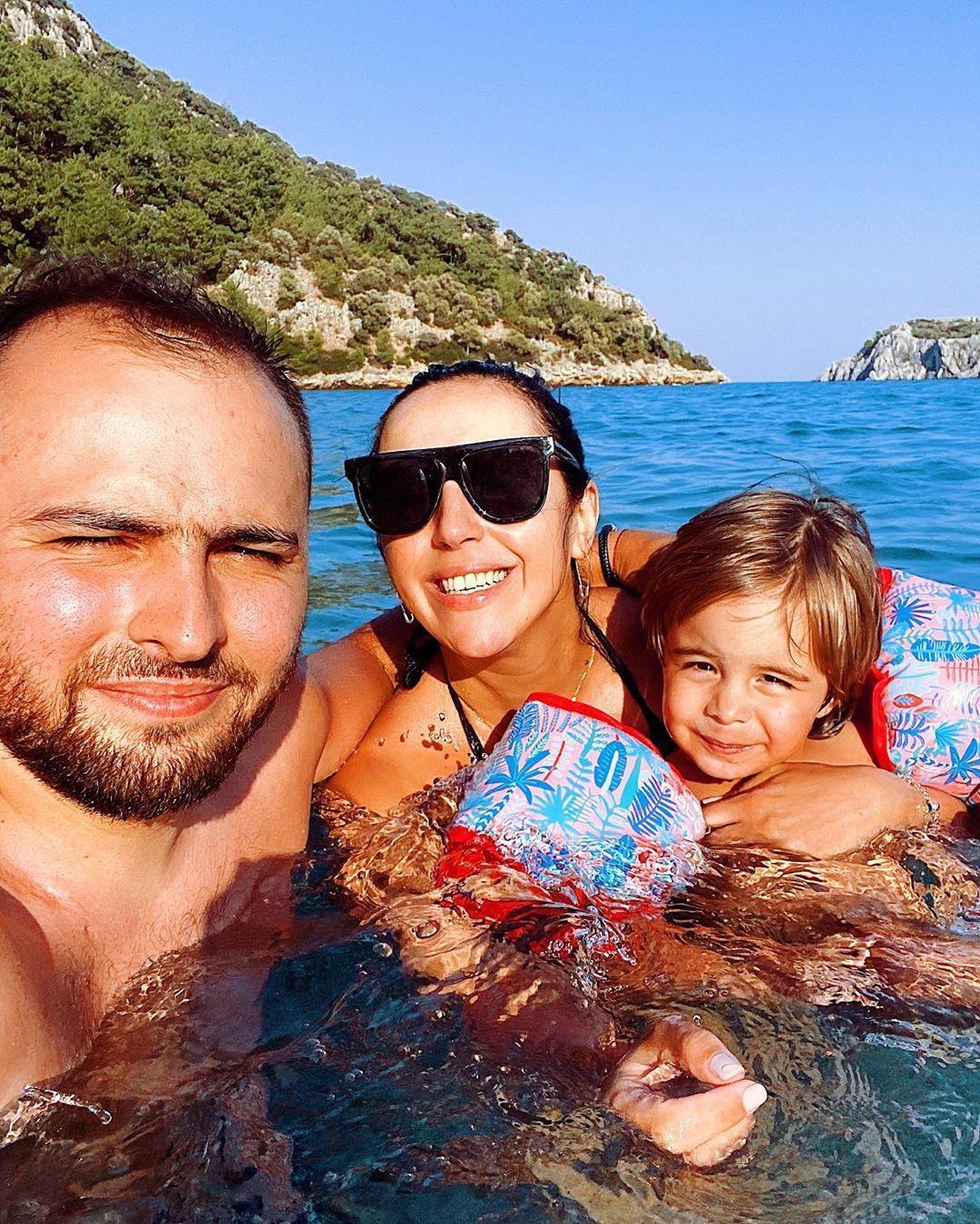 Джамала з чоловіком та сином