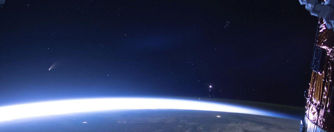 NASA предупреждает о приближении астероида