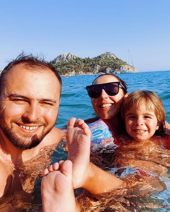 Джамала с семьей_2