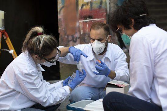 У Кіровоградській області страхують медиків, які працюють з коронавірусними пацієнтами
