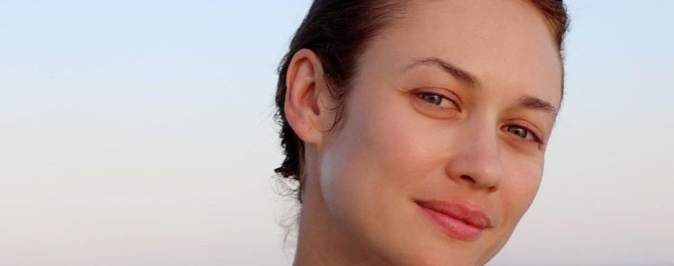 40-летняя Ольга Куриленко в откровенном купальнике похвасталась стройностью