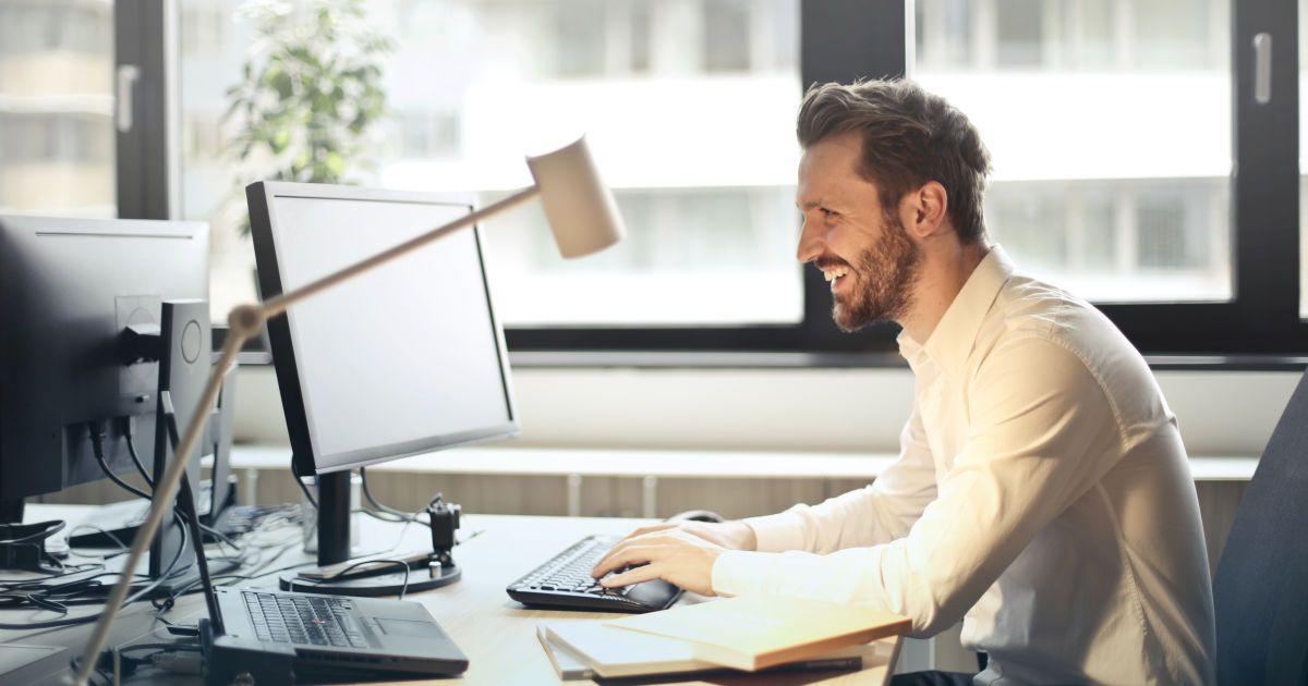 Дистанційка в квітні 2021 року: хто найбільше цікавився віддаленим форматом роботи