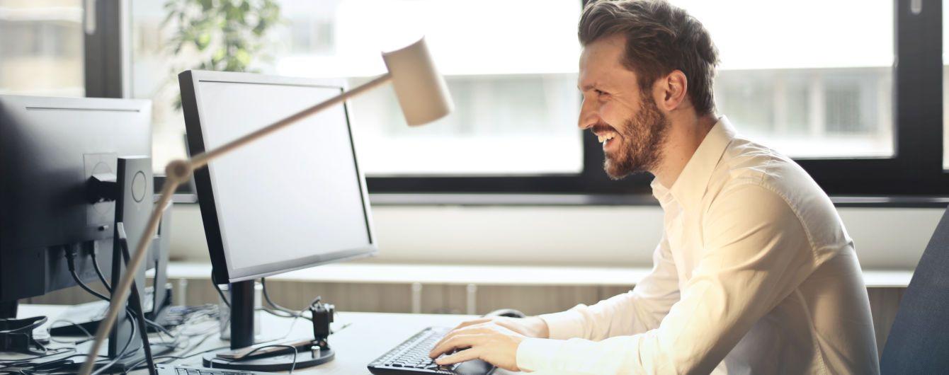 Смех может стать уникальной защитой для гаджетов - ученые