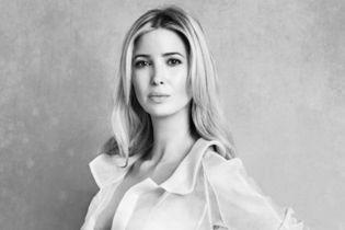 Дженнифер Энистон, Иванка Трамп, Риз Уизерспун и другие: почему известные женщины поддержали новый флешмоб