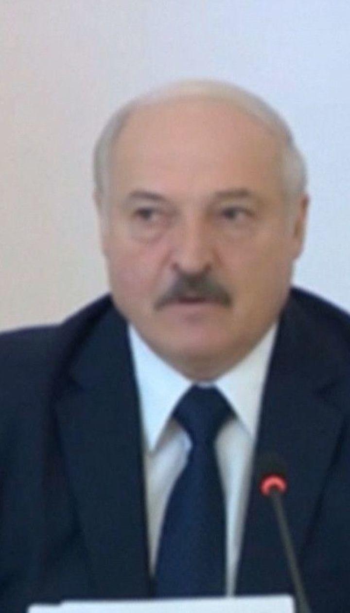 """Переболел, но бессимптомно: Лукашенко заявил, что перенес коронавирус """"на ногах"""""""