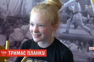 11-річна дівчинка встановила рекорд планки на ліктях серед дітей