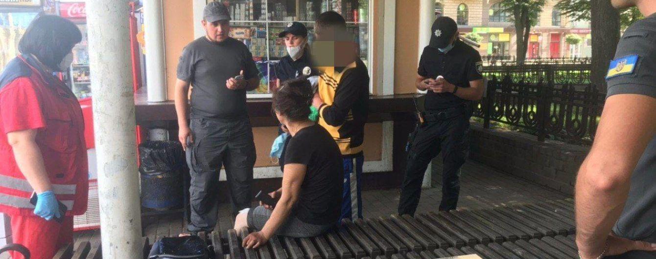 В Ивано-Франковске пьяный мужчина избил знакомую возле вокзала: женщину госпитализировали