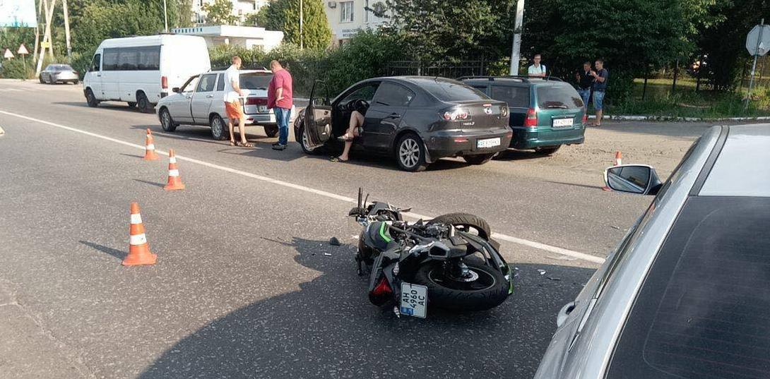 Водійка Hyundai збила мотоцикліста на Софіївській Борщагівці