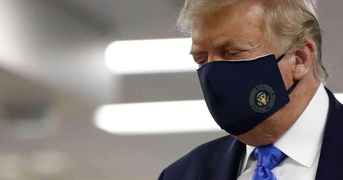 Інфікований коронавірусом Трамп почувається добре - лікарі