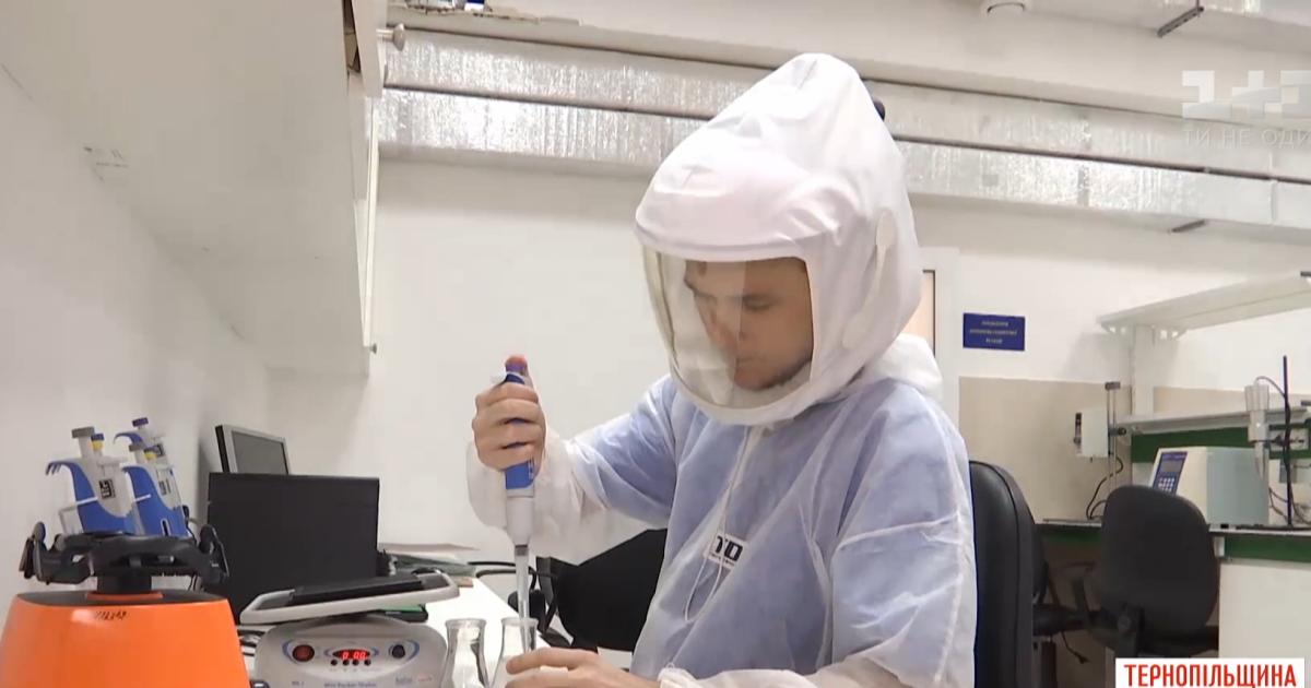Защита от коронавируса на 100%: в Тернопольском медуниверситете изобрели пневмошлем