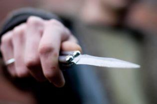 В Одессе подростки поссорились на футбольном поле: один ударил другого ножом (видео)